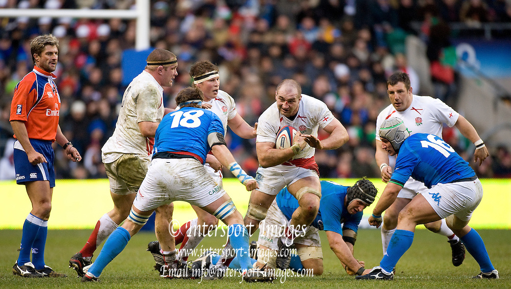 Twickenham. Great Britain, Steve BORTHWICK, leads the attack, during the Six Nations Rugby, England vs Italy,  Match played at the RFU Stadium, Sat 07.02.2009   [Mandatory Credit. Peter Spurrier/Intersport Images]