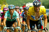 Sykkel<br /> Tour de France 2003<br /> Foto: DPPI/Digitalsport<br /> <br /> NORWAY ONLY<br /> <br /> CYCLING - TOUR DE FRANCE 2003 - STEP13 - TOULOUSE > AX 3 DOMAINES - 19072003 - PHOTO: ERIC LALMAND / PHOTO NEWS / DPPI<br /> JAN ULLRICH (GER) / BIANCHI AND LANCE ARMSTRONG (USA) / US POSTAL