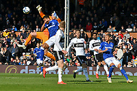 Football - 2018 / 2019 Premier League - Fulham vs. Everton<br /> <br /> Sergio Rico González Fulham & Dominic Calvert Everton-Lewin collide in the air , at Craven Cottage.<br /> <br /> COLORSPORT/WINSTON BYNORTH