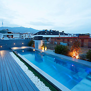 Modern pool 1122