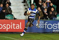 Semesa Rokoduguni (Bath) runs in a try - Photo mandatory by-line: Patrick Khachfe/JMP - Tel: Mobile: 07966 386802 16/01/2014 - SPORT - RUGBY UNION -  The Recreation Ground, Bath - Bath Rugby v Bordeaux-Begles - Amlin Challenge Cup.