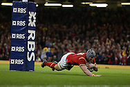 Jonathan Davies  of Wales  scores his teams 3rd try.  RBS Six Nations championship 2016, Wales v Italy at the Principality Stadium in Cardiff, South Wales on Saturday 19th March 2016. pic by  Andrew Orchard, Andrew Orchard sports photography.