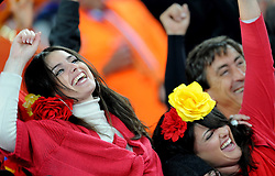 11.07.2010, Soccer-City-Stadion, Johannesburg, RSA, FIFA WM 2010, Finale, Niederlande (NED) vs Spanien (ESP) im Bild Fan FEature Spanien Fans, EXPA Pictures © 2010, PhotoCredit: EXPA/ InsideFoto/ Perottino *** ATTENTION *** FOR AUSTRIA AND SLOVENIA USE ONLY! / SPORTIDA PHOTO AGENCY