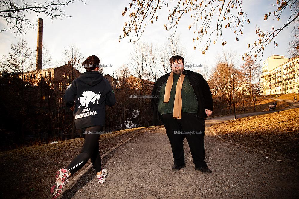 Oslo, Norge, 14.03.2012. Jørgen Foss (født 18. juli 1989 i Oslo) er en norsk politiker og skuespiller, kjent fra blant annet spillefilmen Pitbullterje og NRK-serien Skolen. Foss har vært leder av Landsforeningen for overvektige siden 2010 og har bidratt i en rekke dokumentarer og debatter om overvekt og fedme. Han representerer Arbeiderpartiet og leder Kultur- og nærmiljøkomiteen i bydel Sagene. Foto: Christopher Olssøn.
