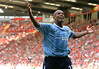 Trevor Sinclair (Man City) celebrates goal no.1. Charlton Athletic v Manchester City. 17/8/2003. Credit : Colorsport.