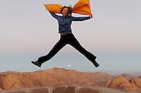 Turist hopper på Mosesfjellet