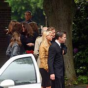 Begrafenis Elly van der Berkt, John de Mol en Chantal Janzen