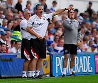 Photo: Leigh Quinnell.<br /> Queens Park Rangers v Southampton. Coca Cola Championship. 01/09/2007. Southampton manager George Burley shouts to his team.