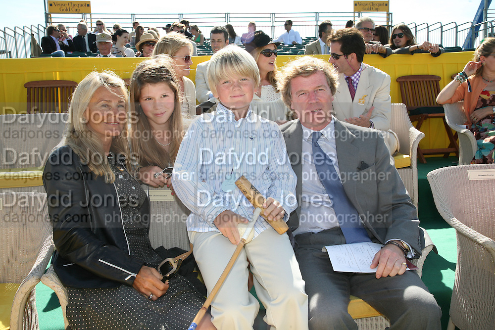 Lila Pearson,, George Pearson and Charles Pearson The Veuve Clicquot Gold Cup 2007. Cowdray Park, Midhurst. 22 July 2007.  -DO NOT ARCHIVE-© Copyright Photograph by Dafydd Jones. 248 Clapham Rd. London SW9 0PZ. Tel 0207 820 0771. www.dafjones.com.