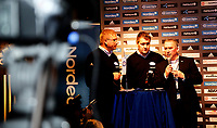 Fotball<br /> Smuget 15.12.10<br /> Vålerenga presenterte ny generalsponsor og drakt , Adidas<br /> Søren Eriksen , Pål Breen og Arne Lambech fra Nordea<br /> Foto: Eirik Førde