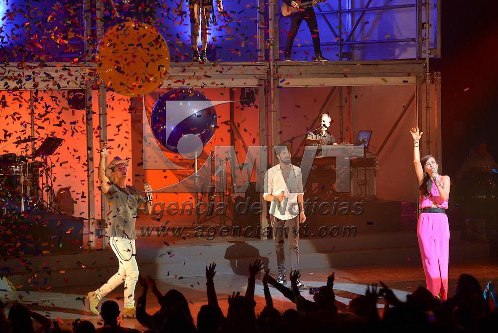 TOLUCA, Mexico.- Los cantantes Beny, Sasha y Erik se presentaron esta noche en el Teatro Morelos a beneficio de la Fundacion UAEMex. Agencia MVT / Mario Vazquez de la Torre.