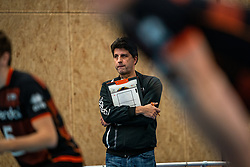 Coach Arnold van Ree of Talent Team in action during the first league match in the corona lockdown between Talentteam Papendal vs. Vocasa on January 13, 2021 in Ede.
