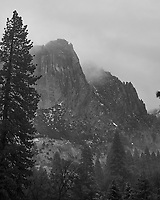 Wintertime in Yosemite Valley. Image taken with a Nikon D3s camera and 50 mm f/1.4 lens (ISO 200, 50 mm, f/3.5, 1/60 sec).