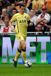 25-04-2010 VOETBAL: AJAX - FEYENOORD: AMSTERDAM<br /> De eerste wedstrijd in de bekerfinale is gewonnen door Ajax met 2-0 / Luigi Bruins<br /> ©2009-WWW.FOTOHOOGENDOORN.NL