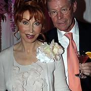 NLD/Amsterdam/20081023 - Presentatie Perfect Age creme, Marijke Helwegen en partner Harry