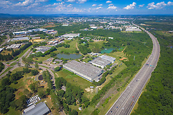 Planta gaúcha da empresa Dana, localizada no Complexo Industrial de Gravataí, RS. A Dana Incorporated é líder mundial no fornecimento de sistemas de transmissão, vedação e gerenciamento térmico com alta tecnologia que melhoram a eficiência e o desempenho de automóveis, veículos comerciais e fora-de-estrada, com motorizações convencionais e de energia alternativa. Fundada em 1904 e com sede em Maumee, em Ohio, nos Estados Unidos, a empresa emprega mais de 23.000 pessoas em 25 países e 6 continentes. FOTO: Jefferson Bernardes/ Agência Preview
