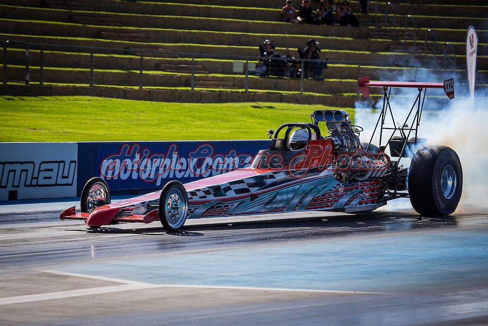 Greg Gibson (3325) - Supercharged Outlaw Dragster.