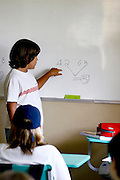 Belo Horizonte_MG, Brasil...Professora, da escola Balao Vermelho, criou um jogo onde os alunos tem que realizar operacoes matematicas para avancar...A teacher of Balao Vermelho school, created a game where students have to perform mathematical operations to proceed...Foto: LEO DRUMOND /  NITRO