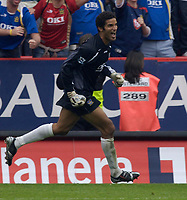 Photo: Daniel Hambury.<br />Charlton Athletic v Portsmouth. The Barclays Premiership. 16/09/2006.<br />Portsmouth's David James, who is part of the defence which has yet to concede a goal, celebrates victoy.