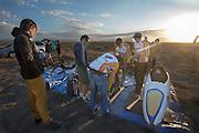 Het technisch team maakt de VeloX2 in orde voor de kwalificatie. In de vroege ochtend worden de kwalificaties gereden. In de buurt van Battle Mountain, Nevada, strijden van 10 tot en met 15 september 2012 verschillende teams om het wereldrecord fietsen tijdens de World Human Powered Speed Challenge. Het huidige record is 133 km/h.<br /> <br /> The technical team is inspecting the VeloX2. Near Battle Mountain, Nevada, several teams are trying to set a new world record cycling at the World Human Powered Vehicle Speed Challenge from Sept. 10th till Sept. 15th. The current record is 133 km/h.