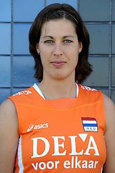 02-06-2010 VOLLEYBAL: NEDERLANDS VROUWEN VOLLEYBAL TEAM: ALMERE<br /> Reportage Nederlands volleybalteam vrouwen / Francien Huurman<br /> ©2010-WWW.FOTOHOOGENDOORN.NL