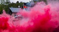 BLOEMENDAAL  - Vuurwerk, rook, rookpot, rookpotten, smog, . play outs / promotie,  2e wedstrijd , HBS-Groningen (m) 4-1. HBS blijft in de promotieklasse.   COPYRIGHT KOEN SUYK