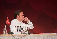 DEU, Deutschland, Germany, Berlin, 22.08.2020: Pascal Meiser (MdB, Die Linke) beim Landesparteitag von DIE LINKE im Estrel Convention Center in Neukölln. Es ist der erste nicht-virtuelle Parteitag einer Partei in der Corona-Pandemie. Es gelten strikte Abstands- und Hygieneregeln sowie Maskenpflicht (ausser an den Plätzen), so sollen Ansteckungen mit dem Coronavirus vermieden werden.
