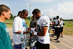 Philadelphia Eagles safety Quintin Demps #39 signs an autograph during the Philadelphia Eagles NFL training camp in Bethlehem, Pennsylvania at Lehigh University on Saturday August 1st 2009. (Photo by Brian Garfinkel)