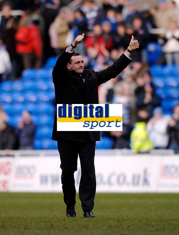 Photo: Daniel Hambury.<br />Reading v Watford. Coca Cola Championship. 11/03/2006.<br />Watford's manager Adrian Boothroyd gives the thumbs up to supporters at the end of the game.