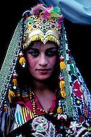 Ouzbekistan, Boukhara, jeune femme a son mariage// Uzbekistan, Bukhara, woman at wedding ceremony