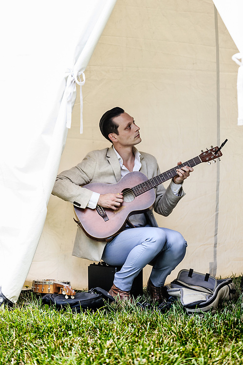 Christopher Davis-Shannon prepping for his performance at the 2017 Appel Farm Wine & Music Festival.