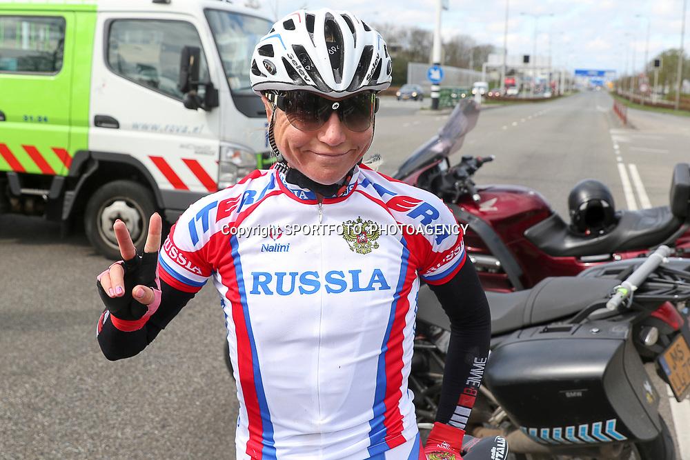 16-04-2016: Wielrennen: IJsseldelta Topcompetitie vrouwen: Zwolle<br />ZWOLLE (NED) wielrennen <br />Wind was in deze editie de grootste tegenstanders van de vrouwen. Olga Zablinskaia