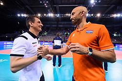 12.06.2018, Porsche Arena, Stuttgart<br /> Volleyball, Volleyball Nations League, Türkei / Tuerkei vs. Niederlande<br /> <br /> Giovanni Guidetti (Trainer / Coach TUR) - Jamie Morrison (Trainer NED)<br /> <br /> Foto: Conny Kurth / www.kurth-media.de