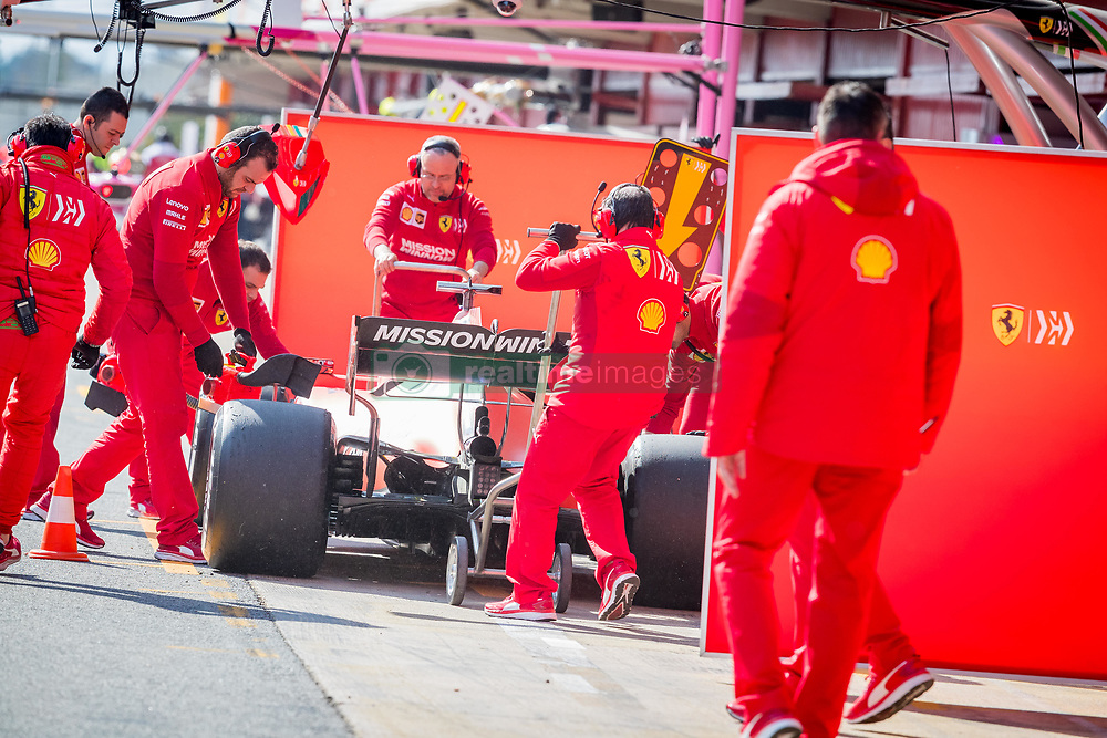 February 19, 2019 - Barcelona, Spain - Charles Leclerc teammates working on his SF90 during second journey of F1 Test Days in Montmelo circuit, on February 19, 2019. (Credit Image: © Javier MartíNez De La Puente/NurPhoto via ZUMA Press)