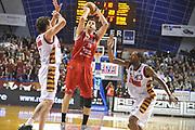 DESCRIZIONE : Venezia Lega A 2013-14 Umana Venezia Victoria Libertas Pesaro<br /> GIOCATORE : marc trasolini<br /> CATEGORIA : tiro<br /> SQUADRA : Umana Venezia Victoria Libertas Pesaro<br /> EVENTO : Campionato Lega A 2013-2014 <br /> GARA : Umana Venezia Victoria Libertas Pesaro<br /> DATA : 12/01/2014<br /> SPORT : Pallacanestro <br /> AUTORE : Agenzia Ciamillo-Castoria/M.Gregolin<br /> Galleria : Lega Basket A 2013-2014  <br /> Fotonotizia : Venezia Lega A 2013-14 Umana Venezia Victoria Libertas Pesaro<br /> Predefinita :