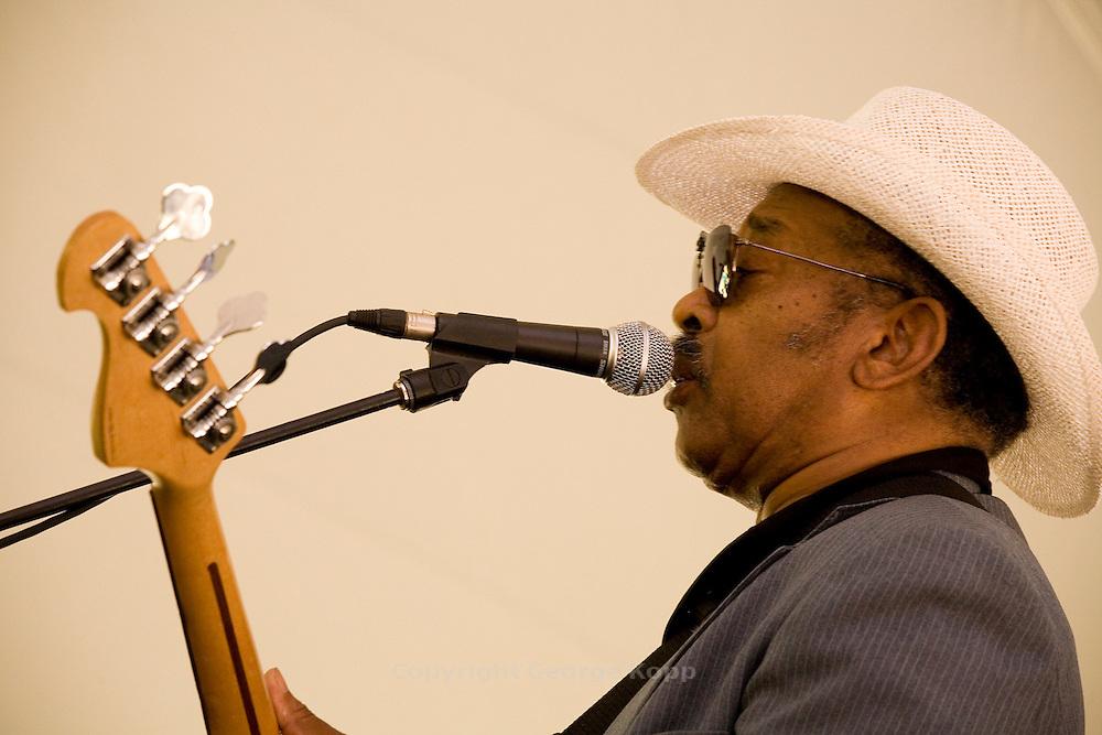"Aron Burton & Johnny ""Yard Dog"" Jones, Pocono Blues Festival 2007"