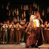Perth Theatre Oliver