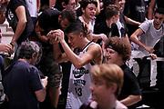 DESCRIZIONE : Bologna Lega A 2014-15 Granarolo Bologna Upea Capo d'Orlando<br /> GIOCATORE : Simone Fontecchio<br /> CATEGORIA : postgame tifosi esultanza<br /> SQUADRA : Granarolo Bologna<br /> EVENTO : Campionato Lega A 2014-15<br /> GARA : Granarolo Bologna Upea Capo d'Orlando<br /> DATA : 19/10/2014<br /> SPORT : Pallacanestro <br /> AUTORE : Agenzia Ciamillo-Castoria/M.Marchi<br /> Galleria : Lega Basket A 2014-2015 <br /> Fotonotizia : Bologna Lega A 2014-15 Granarolo Bologna Upea Capo d'Orlando<br /> Predefinita :