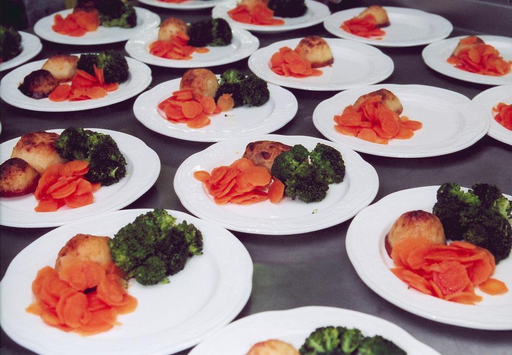 Brooklands College; Weybridge; Surrey, Catering course; preparing lunch
