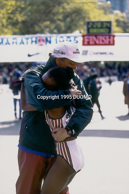 Tegla Loroupe (KEN) female winner with Allan Steinfeld, Director at the 1995 NYC Marathon