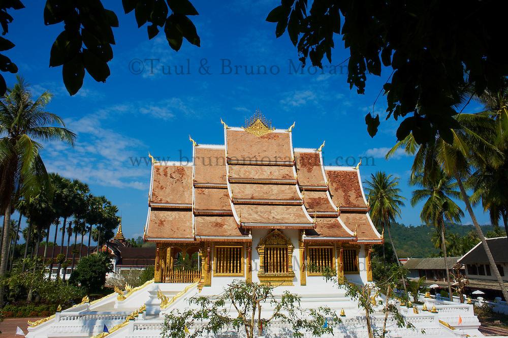 Laos, Province de Luang Prabang, ville de Luang Prabang, Patrimoine mondial de l'UNESCO depuis 1995, musee du Palais Royal (Ho Kham), le temple dore Wat Ho Pha Bang // Laos, Province of Luang Prabang, city of Luang Prabang, World heritage of UNESCO since 1995, Royal Palace National Museum, Wat Ho Pha Bang, golden temple