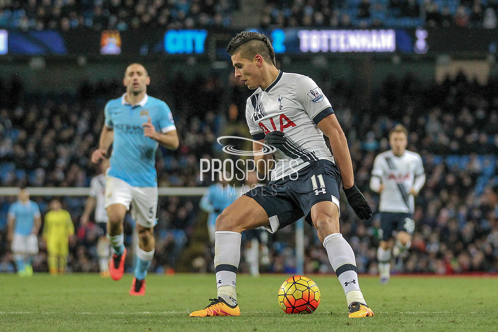 Érik Lamela (Tottenham Hotspur) controls the ball during the Barclays Premier League match between Manchester City and Tottenham Hotspur at the Etihad Stadium, Manchester, England on 14 February 2016. Photo by Mark P Doherty.