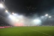 Fuusball: 2. Bundesliga, FC St. Pauli - Hamburger SV 2:0, Hamburg, 16.09.2019<br /> HSV-Fans mit Pyrotechnik, Nebel<br /> © Torsten Helmke