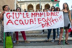 June 22, 2017 - Rome, Italy, Italy - Protest in the Capitol Square against Mayor Virginia Rages and his politics after a year of city government. (Credit Image: © Patrizia Cortellessa/Pacific Press via ZUMA Wire)
