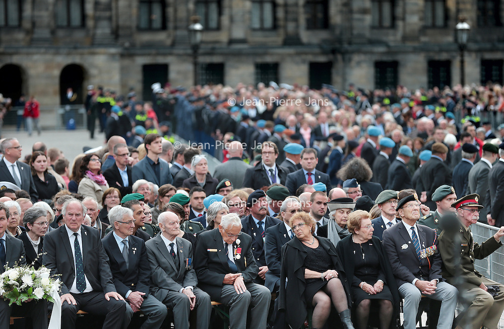 Nederland, Amsterdam , 4 mei 2015.<br /> Genodigden waaronder oud veteranen tijdnes Dodenherdenking plechtigheid op de Dam<br /> Netherlands, Amsterdam, Remembrance Day 1940-1945 on the Dam Amsterdam in the presence of the king and queen.