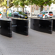 NLD/Den Haag/20170919 - Prinsjesdag 2017, beveiliging met blokker