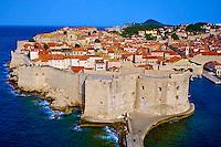Croatie, Dalmatie, côte dalmate, Dubrovnik, centre historique classé Patrimoine Mondial de l'UNESCO, les remparts et le port // Croatia, Dalmatia, Dubrovnik, historical centre, Unesco World Heritage site