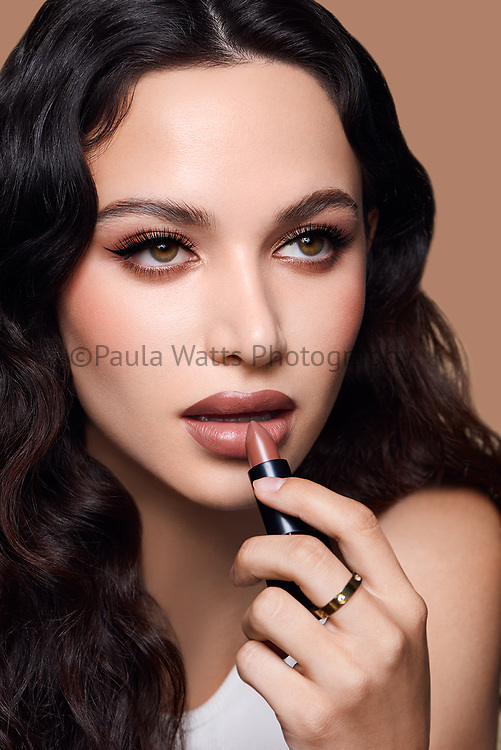 Beauty photographer in Los Angeles CA for cosmetic and makeup campaigns