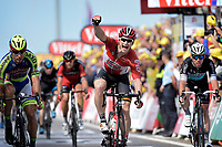 Sykkel<br /> Foto: PhotoNews/Digitalsport<br /> NORWAY ONLY<br /> <br /> GREIPEL Andre of Lotto Soudal celebrates the victory in front of SAGAN Peter of Tinkoff - Saxo and CAVENDISH Mark of Etixx - Quick Step after the stage 2 of the 102nd edition of the Tour de France 2015 with start in Utrecht and finish in Zeeland , Netherlands (166 kms) *** UTRECHT, NETHERLANDS - 5/07/2015