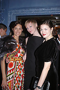 Saffron Aldridge, Jade Parfait and Jasmine Guinness. Zac Posen Spring/ Summer collection launch party. The Blue Bar, Berkeley Hotel. London. 7 March 2004. Dafydd Jones,  ONE TIME USE ONLY - DO NOT ARCHIVE  © Copyright Photograph by Dafydd Jones 66 Stockwell Park Rd. London SW9 0DA Tel 020 7733 0108 www.dafjones.com